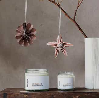 Natural Soy Wax Essential Oil Candle | Joyeux Noel | 25 or 40 Hours Burn from Soomish in Lighting & Candles, Homeware