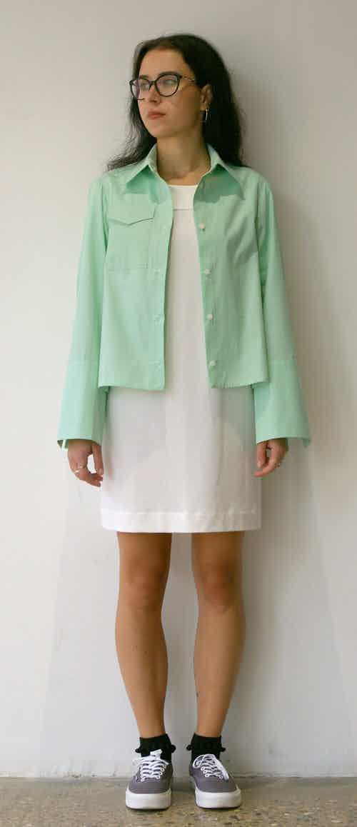 Organic Cotton Cropped Long-Sleeve Shirt in Mint from Rozenbroek in Shirts, Tops